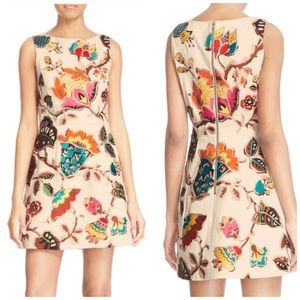 NWT Alice + Olivia Lindsey Embroidered Dress